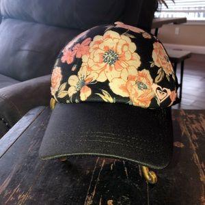 Roxy Trucker Cap Hat Floral 🌸
